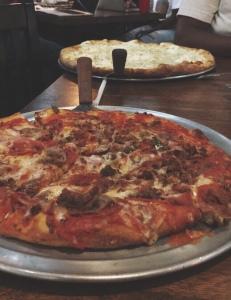 Manhattan Pizza Exchange A Pleasing Pizza